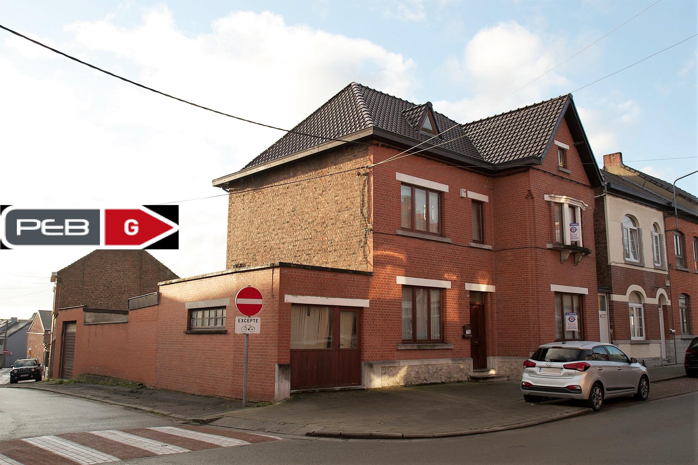 Maison 3 façades à Chapelle-Lez-Herlaimont